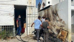 İşyerleri arasında çıkan yangın büyümeden söndürüldü