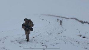 Jandarma timleri Karadeniz'de teröre geçit vermiyor