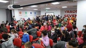 Kızılay 150 çocuğa kırtasiye yardımında bulundu