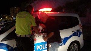 Kozan'da alkollü sürücüler polisin asayiş uygulamasına takıldı