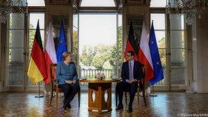 """Merkel: """"Polonya'nın Belarus sınırındaki göçmenlerin baskı aracı olarak kullanılması kabul edilemez"""""""