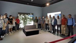 Nazilli Ticaret Odası yönetimi ve meclis üyeleri Demokrasi ve Özgürlükler Adası'nı gezdi