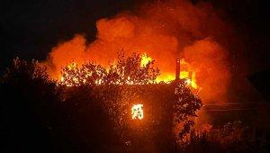 Selendi'de ev yangını