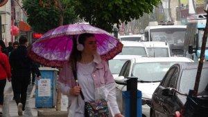 Vanlılar yağmura hazırlıksız yakalandı