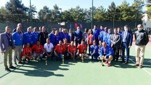 Anadolu Üniversitesi 'Geleneksel Ayak Tenisi Turnuvası' sona erdi