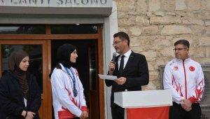 Dünya ikincisi Sena Nur'a Korkuteli'nde özel karşılama