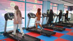 Elazığ Belediyesi Spor ve Yaşam Merkezlerine vatandaşlardan yoğun ilgi