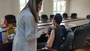 İpsala'da üniversite öğrencileri için aşı standı kuruldu