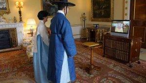 Kraliçe II. Elizabeth'in hastaneden çıktıktan sonraki ilk görüşmeleri