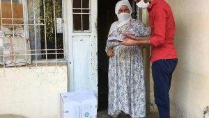 Mardin'de yaşlı vatandaşlara hijyen paketi dağıtıldı