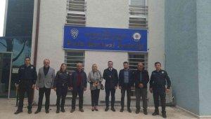 Muhtarlardan Karakol Amiri Komiser Törer'e 'hayırlı olsun' ziyareti
