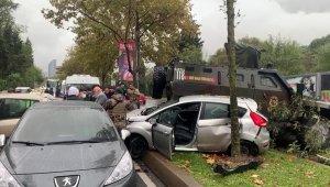 Sarıyer'de zırhlı aracın da içlerinde bulunduğu zincirleme kaza: 3 yaralı