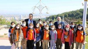 Sınıf başkanı seçilebilmek için Başkan Çerçi'den yardım istedi