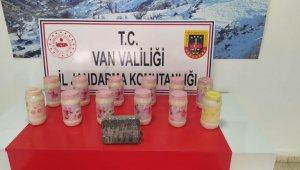 Van'da toprağa gizlenmiş 14 kilo metamfetamin ele geçirildi