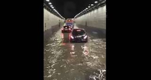 Ankara'da Sağanak Yağış... Hayat Felç
