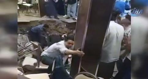 Avcılar'da Can Pazarı! Restoranın Ortası Çöktü...