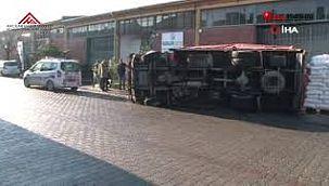 Başakşehir'de freni patlayan kamyonet devrildi !