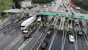 TEM Avcılar Gişeleri'nde sıkışmalı trafik kazası